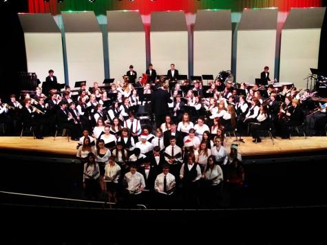 Concert kicks off holiday season: Photo of the Day 12-05-2014