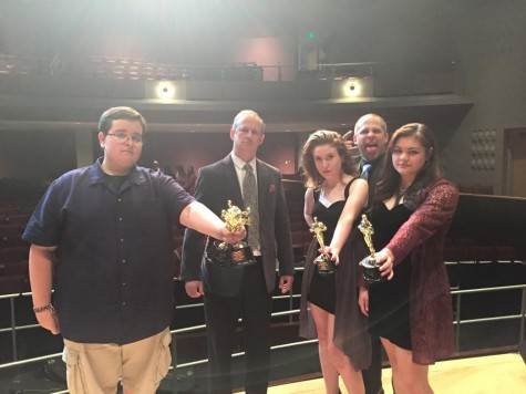 Seniors get dramatic at annual banquet: Photo of the day 5/28/2015