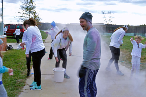 National Art Honor Society hosts color run (gallery)