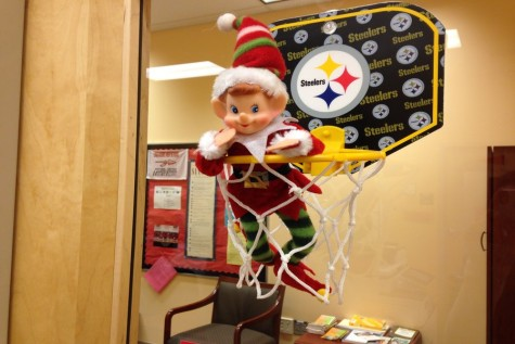 12/14/2015: Where is Newsie the Elf Hiding? Your chance to win gift cards this holiday season