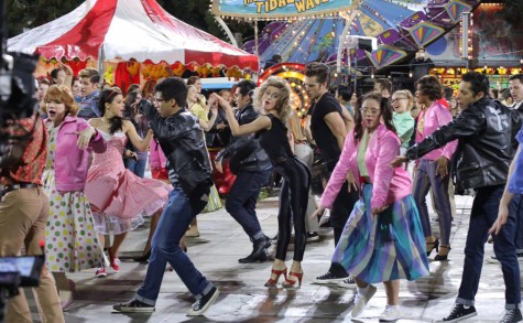 "Hopelessly devoted to Grease–just not ""Live"""