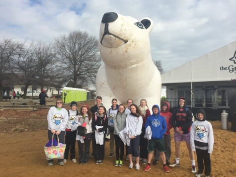 """Polar Bears"" raise money for Special Olympics during annual Plunge: Photo of the Day 2/5/2016"