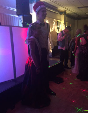 Pellicier and Connolly win Prom King and Queen:  Photo of the Day 5/9/2016