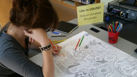 De-stress with coloring in the media center: Photo of the Day 9/1/2016