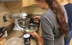 Independent Living makes mashed potatoes: Photo of the Day 10/21/2016