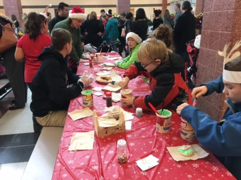 Lancer Candy Lane welcomes families to LHS North Pole: Photo of the Day 12/10/16