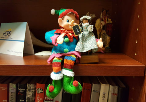 12/12/16: Where did Elfie take the Selfie?