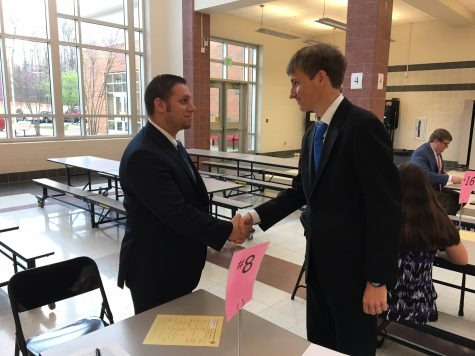 Juniors prepare for job interviews: Photo of the Day 4/12/17