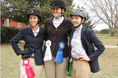 Three equestrians win ribbons: Photo of the day 12-17-14