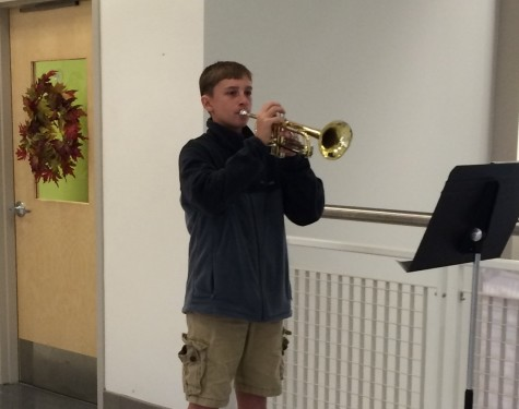 "Trumpeters play ""Taps"" to honor veterans: Photo of the Day 11/11/2015"