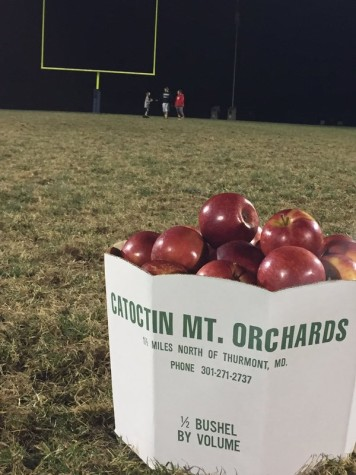 "JV football wins ""Orchard Bowl"": Photo of the Day 11/5/15"