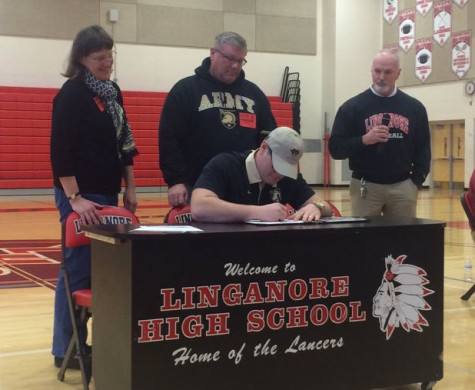 Tyler Fleagle signs to play football for West Point