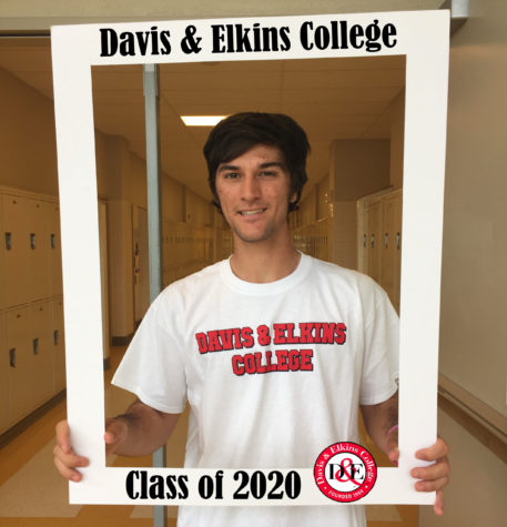LHSsees2020: Nick Dellavelle will bat at Davis and Elkins College