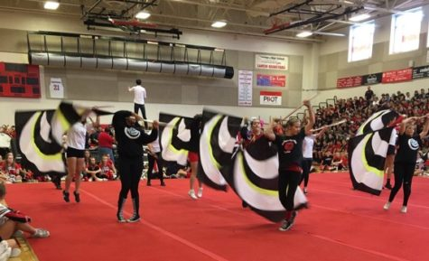 Seniors win spirit stick in fall pep rally:  Photo of the day 10/7/2016