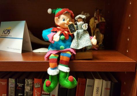 12/12/16: Where did Elfie take the Selfie?