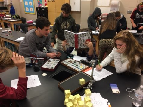 Earth and Space Science class explores rocks and minerals: Photo of the Day 11/30/16