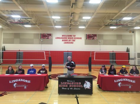 Seniors Sign National Letters of Intent