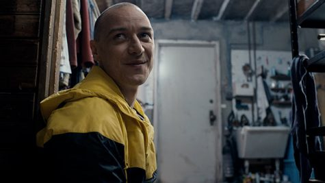 James McAvoy (Split) playing as one of his personalities, Hedwig.