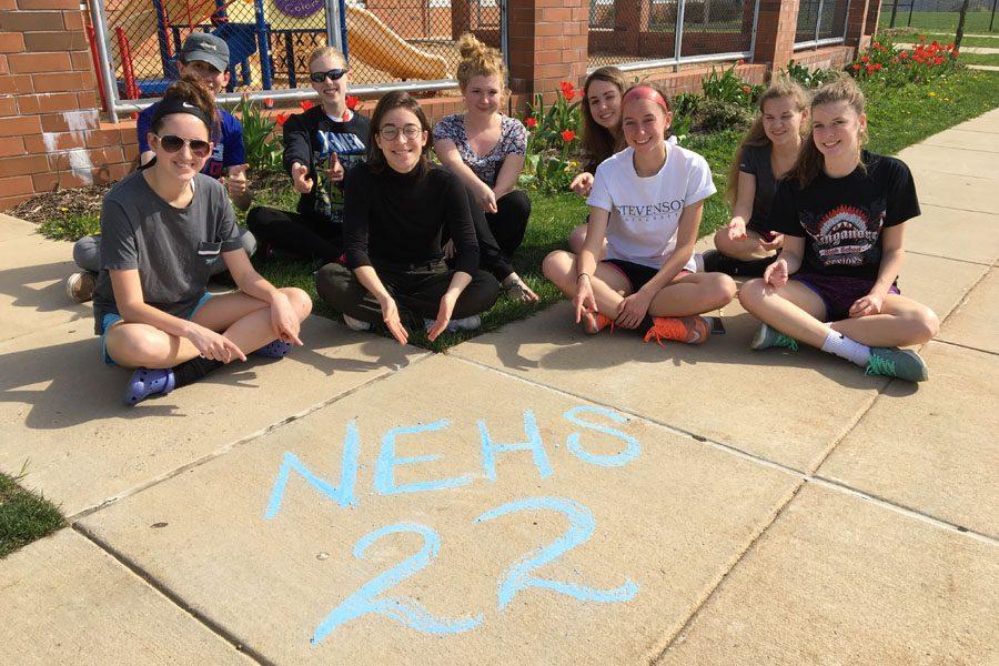 %28From+left+to+right%29+Class+of+2017+members+Courtney+Green%2C+Garrett+Wiehler%2C+Samantha+Buckman%2C+Elise+Fenstermacher%2C+Rowan+Tinney%2C+Caitlyn+Kubik%2C+Olivia+Wolfe%2C+Rayanne+Eaves%2C+and+Gabriella+Wolfe+celebrate+22+days+left+with+sidewalk+chalk.