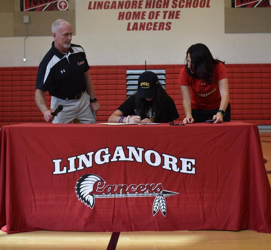 Adriana D'Amore signs her national letter of intent.