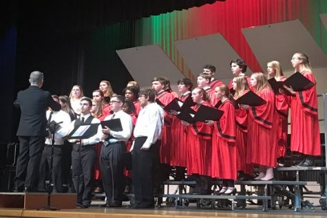 Performing arts department hosts their annual holiday concert