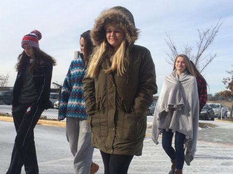 Students bundle up for record-breaking cold coming into the new year: Photo of the Day 1/3/2018