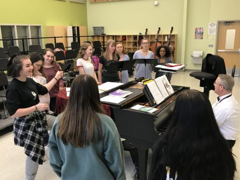 Cast rehearses vocals for Footloose: Photo of the Day 3/23/2018
