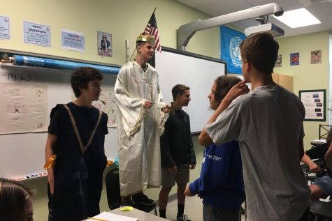 Modern World History class goes back to the Renaissance: Photo of the Day 9/27/18