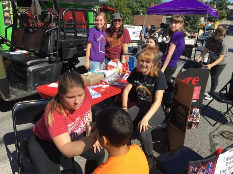 Drama runs face painting booth at Mount Airy Oktoberfest: Photo of the Day 10/2/18