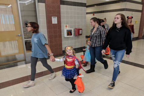 Little Lancers trick or treat in classrooms: Photo of the Day 10/31/18