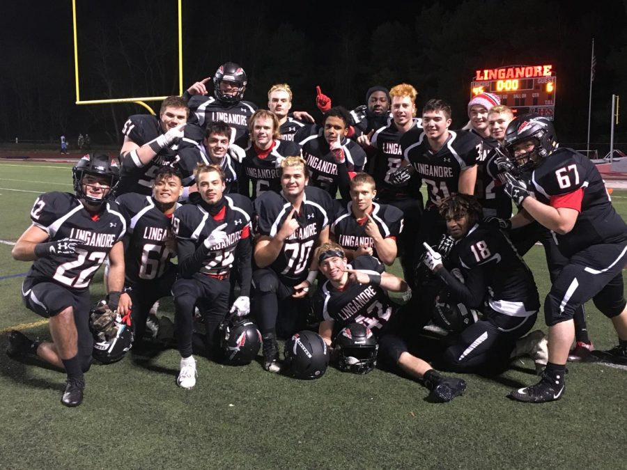 Varsity Football seniors win the Semi-Finals and are heading to their second State Championship