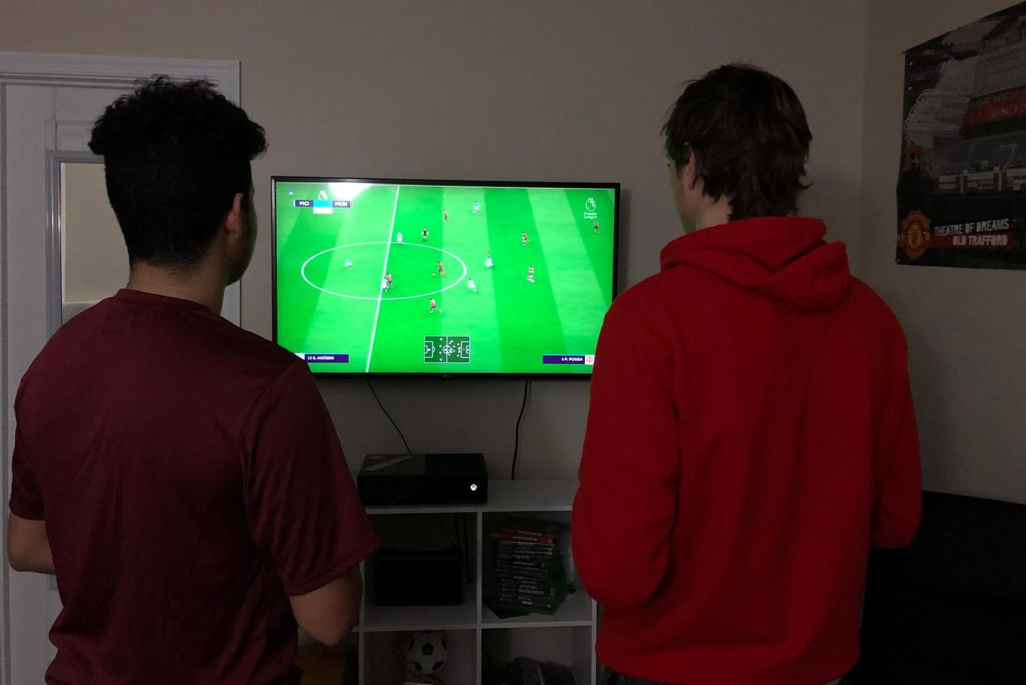 Braden Weinel and Julian Rodriguez face off in a game of FIFA 19.