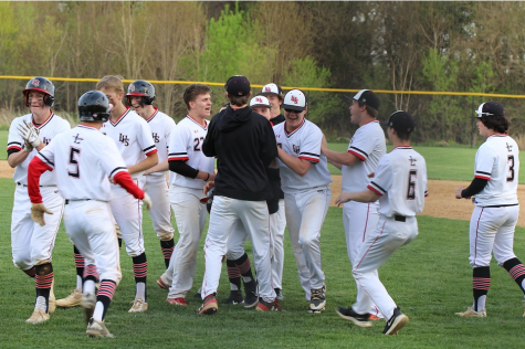 Linganore baseball routes Rebels: Photo of the Day 4/25/19