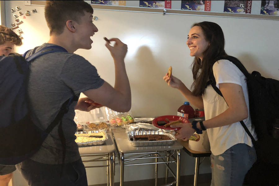 Sean Butehorn and Bridget Curtis enjoy snacks during PREP.