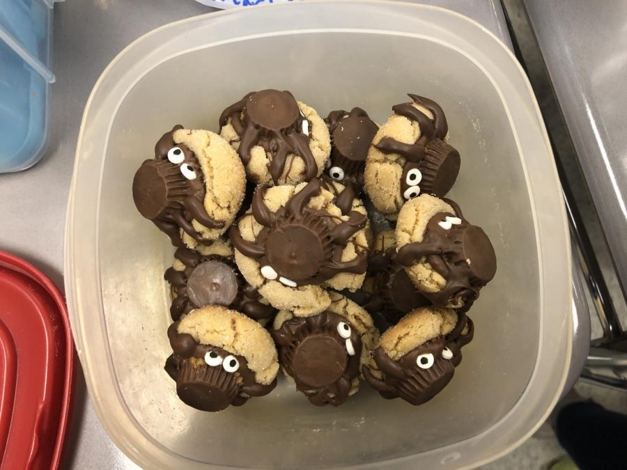 Grace whips up Spider Cookies with only six legs.