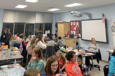 NEHS/Mu Alpha Theta play games to start new term: Photo of the Day 11/13/19