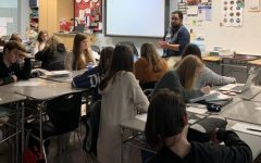 City Editor, Pete McCarthy visits journalism class