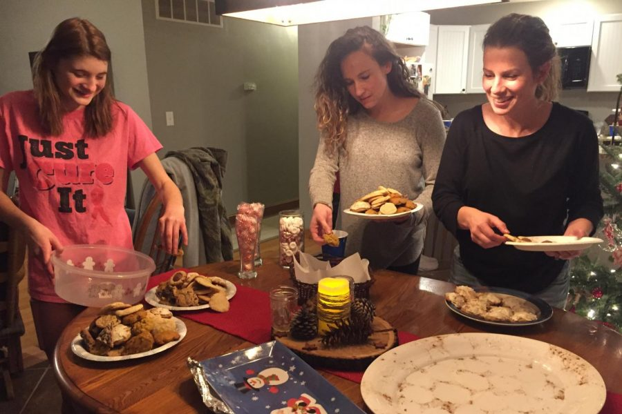 "Christmas cookie exchange preserves ""sweet"" friendship"
