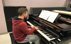 Piano class performs their annual Christmas recital: Photo of the Day 12/20/2019